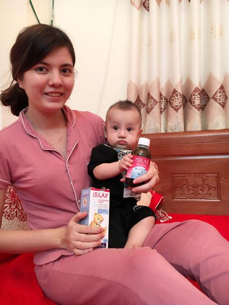 Chị Nguyễn Chanh và bé Gia Huy 5 tháng tuổi