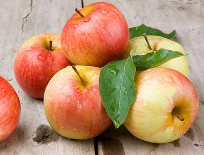 Táo là siêu trái cây giúp giảm táo bón