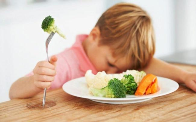 Chế độ ăn ít chất xơ dễ khiến trẻ bị táo bón