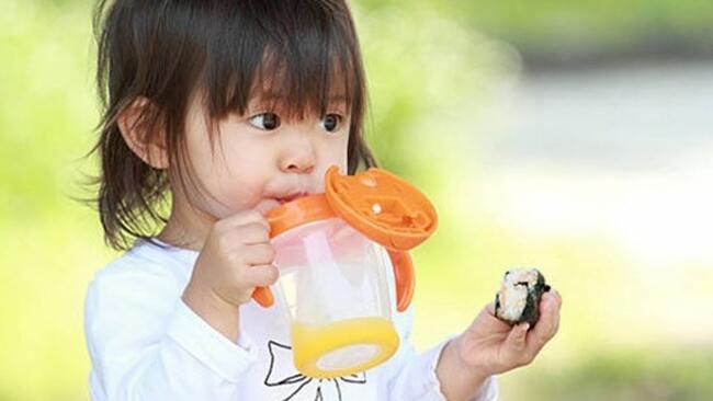 Nhu cầu nước cho trẻ trẻ 1 tuổi