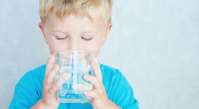 Nhu cầu nước của trẻ mỗi ngày
