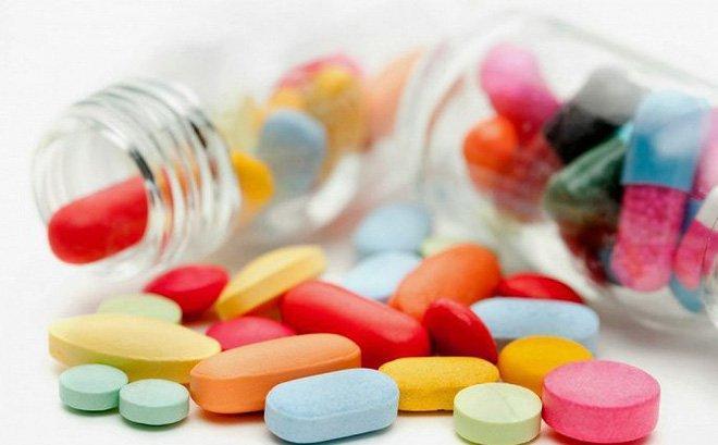Sử dụng thuốc để điều trị táo bón cho bé